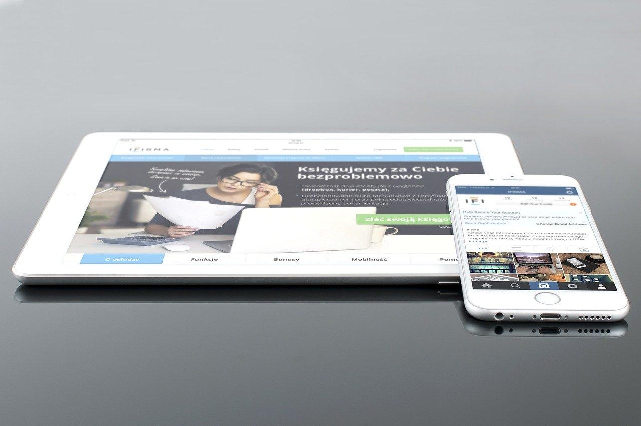 Cuánto vale los servicios de diseño de sitios web personalizados  vs contratar plataformas como WIX.
